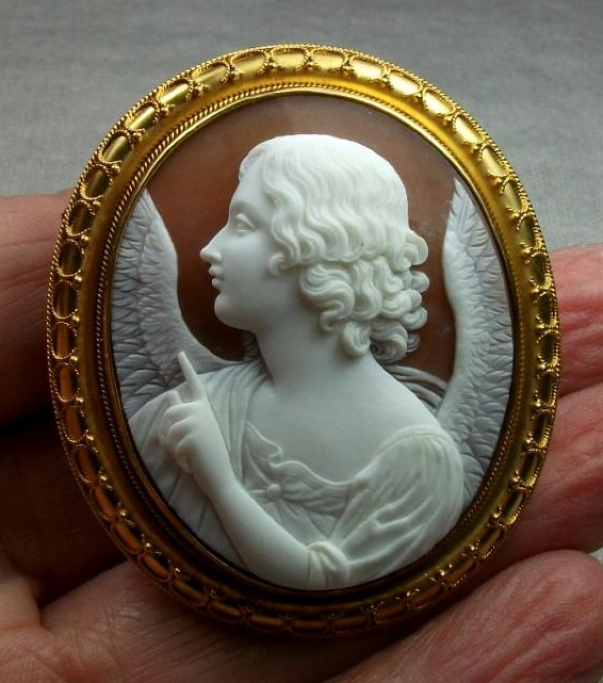 Museum Quality Cameo of the Annunciation Angel
