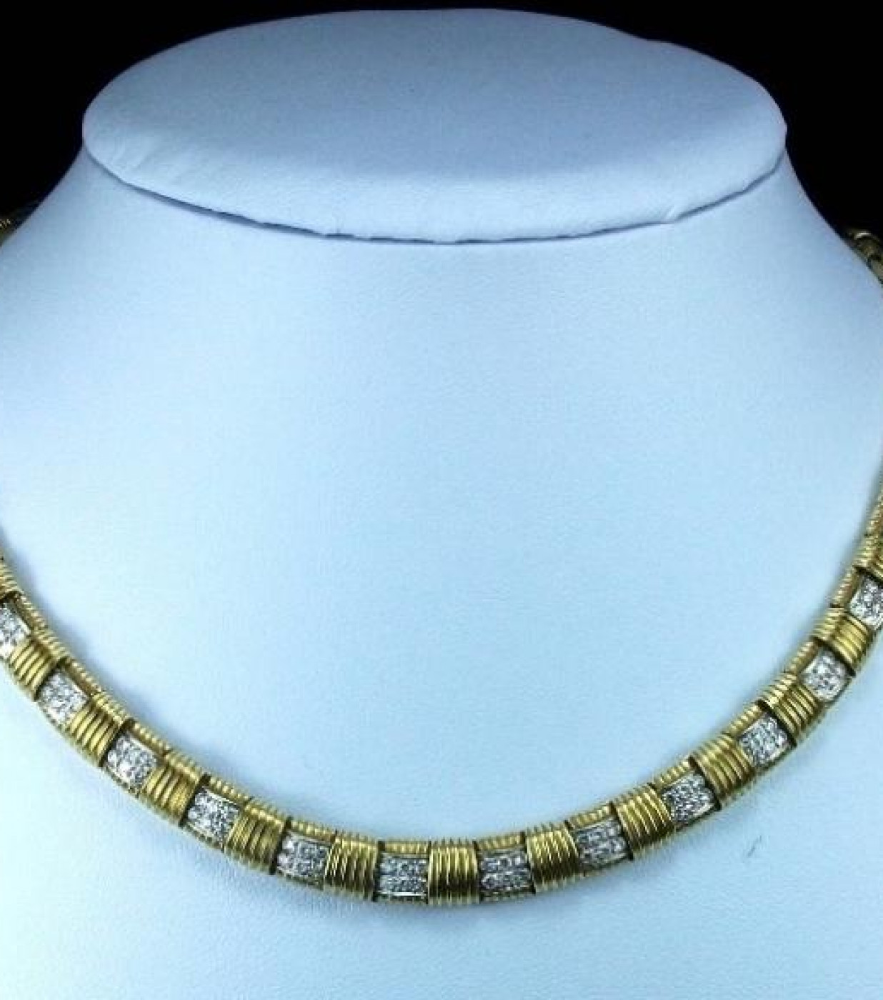 Rarest Gold and Diamonds Necklace and Ring