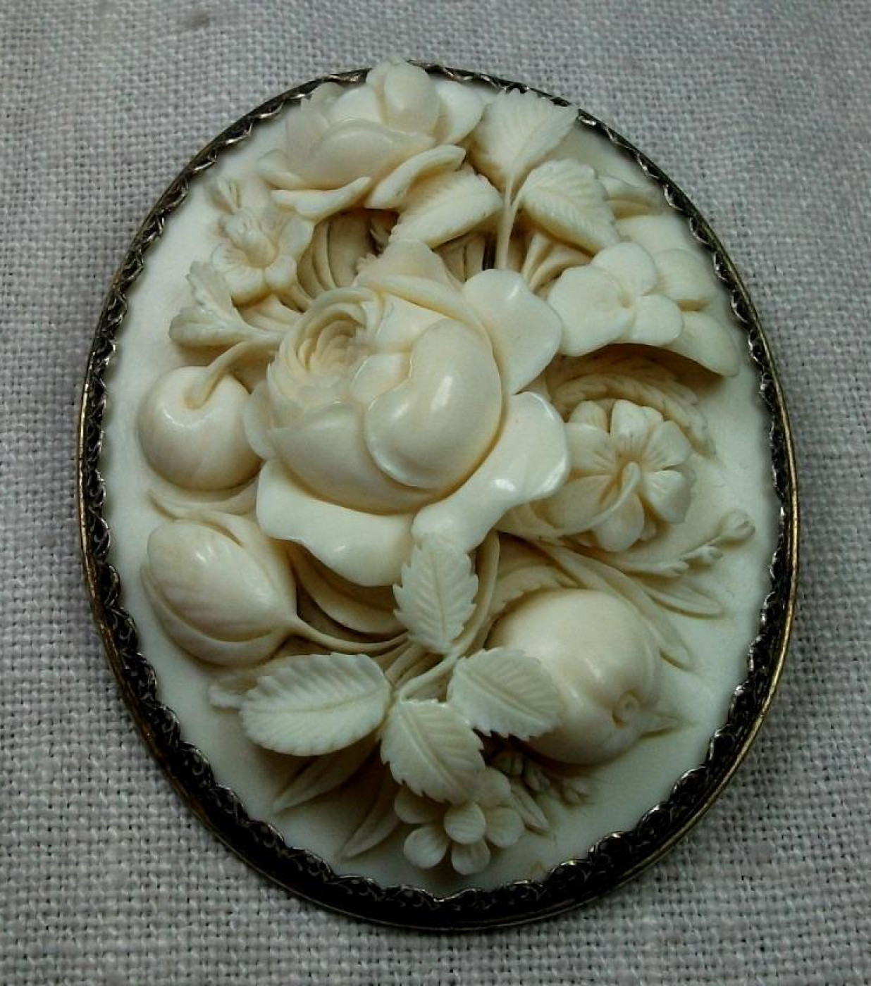 Rarest Three Dimensional Ivory Cameo of Flowers