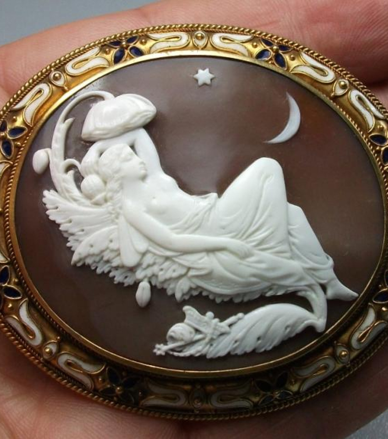 Rarest Cameo of Titania Signed by James Ronca