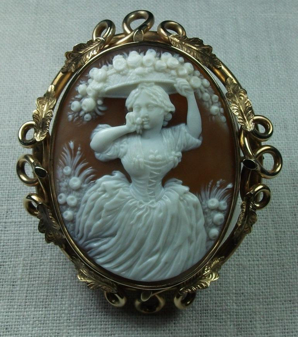 Fabulous Cameo of the Allegory of the Spring