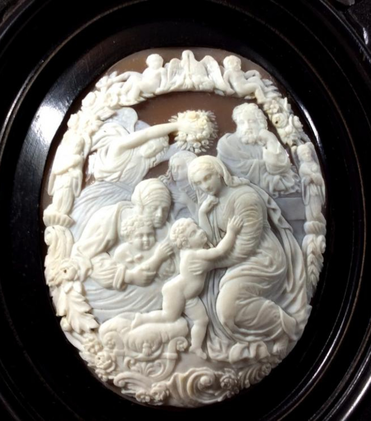 Cameo of  the Holy Family after Raphael