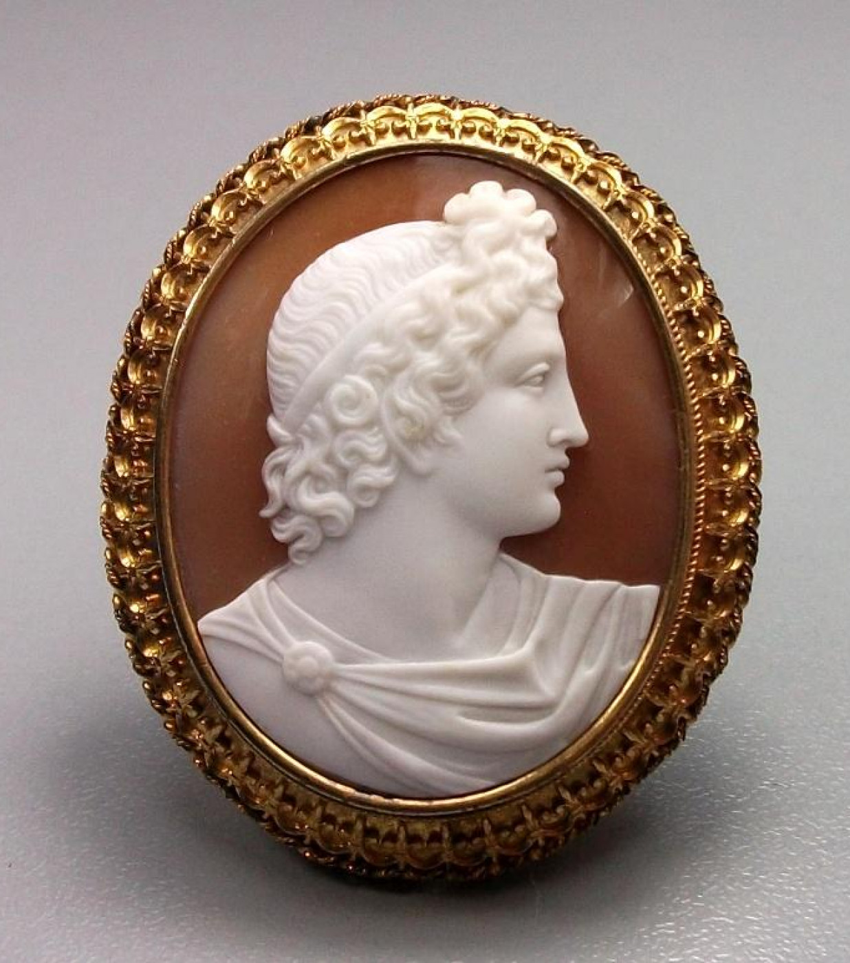 Shell Cameo Brooch of Apollo Belvedere