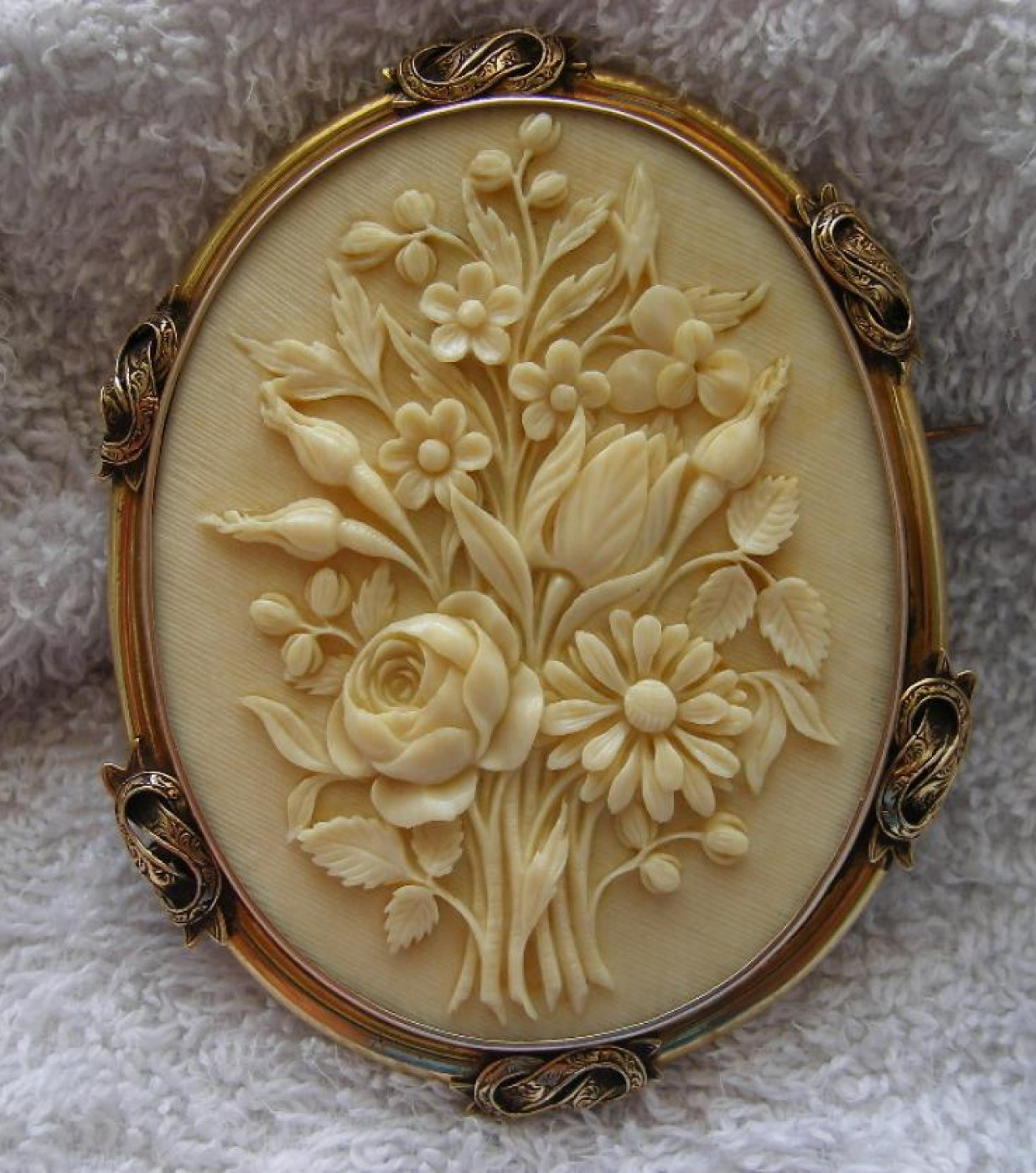 Victorian Ivory Cameo of a Bouquet of Flowers