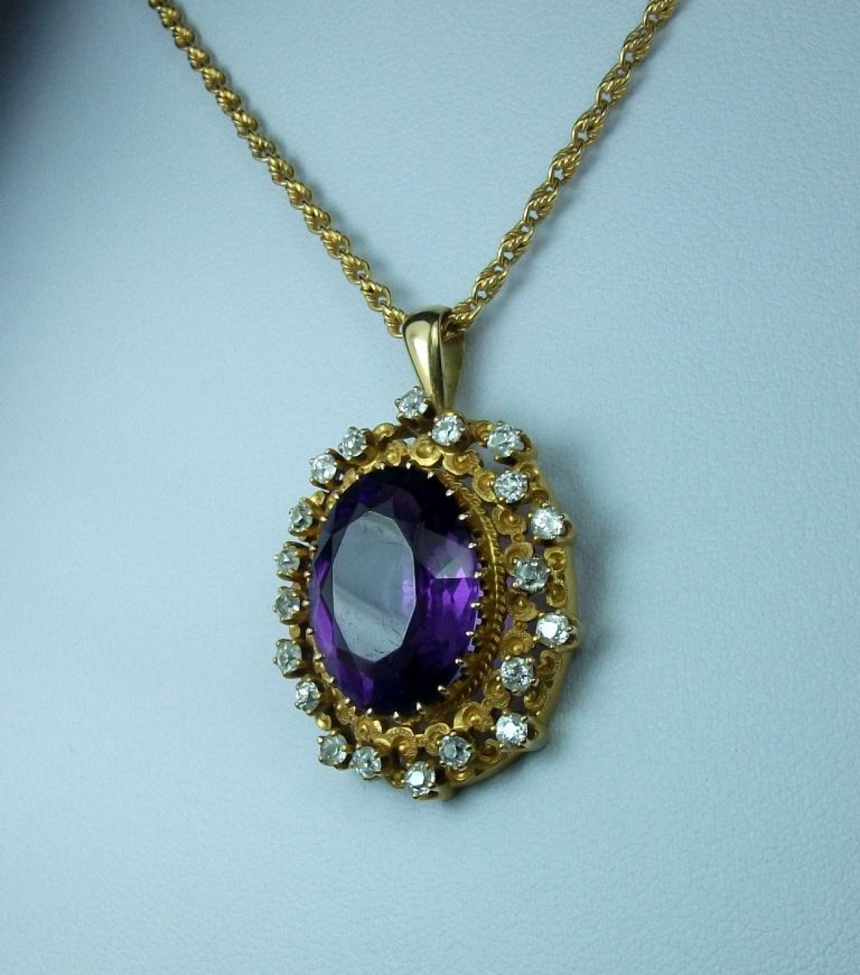 Fantastic Victorian Amethyst and Diamonds Necklace